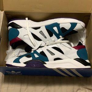 Adidas dimension Lo shoes